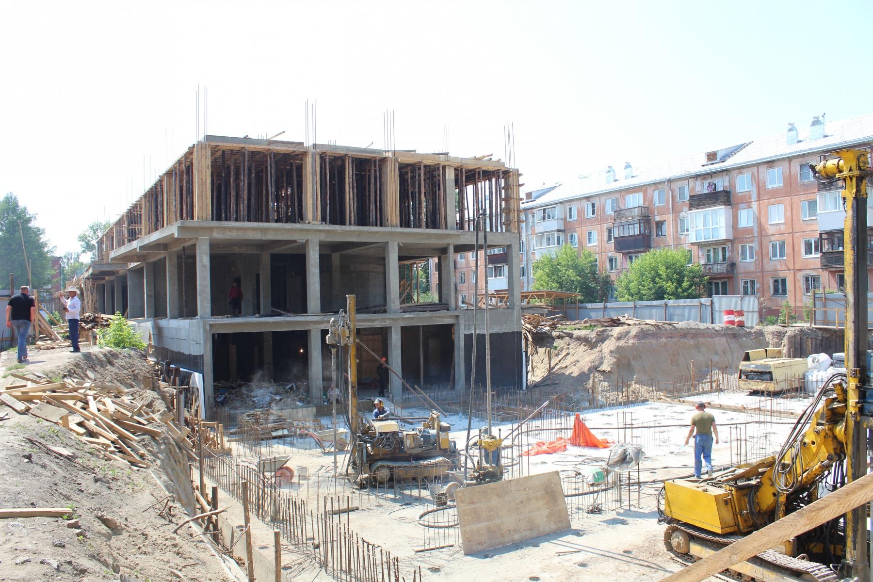 заливка-наружных-стен-2-этажа-блока-2